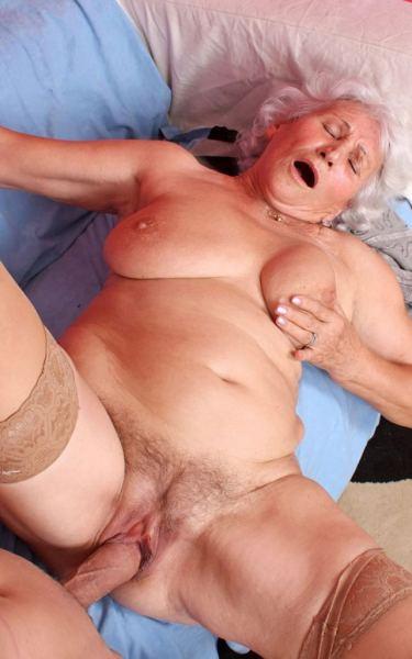Фото порно бабушек в одежде